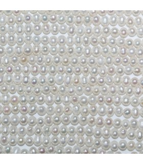 Round Pearl Beads 3.5-4mm.-Strand 37cm.-Item.11071