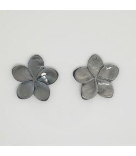 MOP Flower Pendant 27mm.- Item: 11670