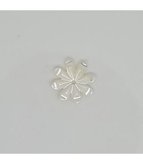 MOP Flower Pendant 11mm.- Item: 11672