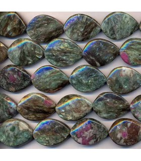Fuchsite Twisted Oval 30x22mm -Strand 40cm- Item.2327