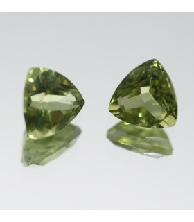 Peridoto Triangular Facetado ( 1.4 CT ) 1 Pareja 6mm.-Ref.041PE