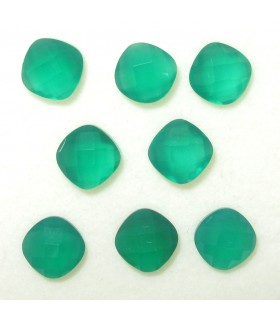 Lot Green Onyx Faceted Cushion 6 mm (6.9 ct.).- Item: 058LO