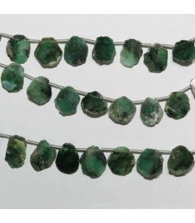 Emerald Irregular Smooth Oval 10x8mm. Approx.-Strand 20cm.-Item.10585
