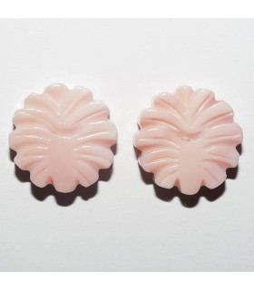 Natural Pink Shell Flower. Top Drilled (1 pair).- Item: 10937