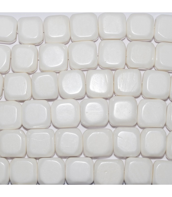 Shell Smooth Flat Square 15mm. Strand 40cm.- Item: 11413